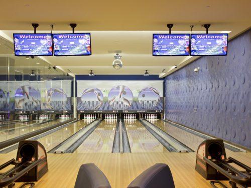 casa-mira-bowling-alley